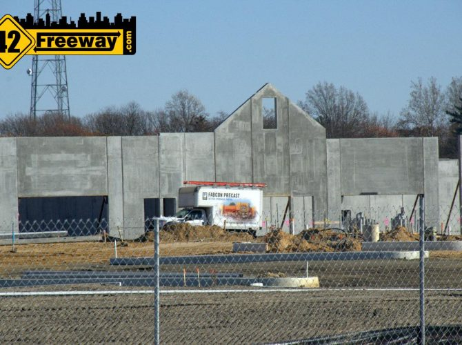 Gloucester Township Premium Outlets – First Walls Going Up
