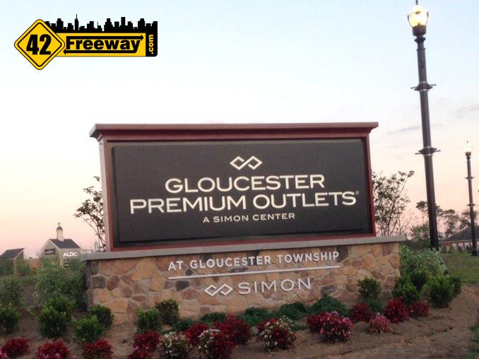 Gloucester Premium Outlets Open Thursday!   Celebrity, Bands And Fireworks