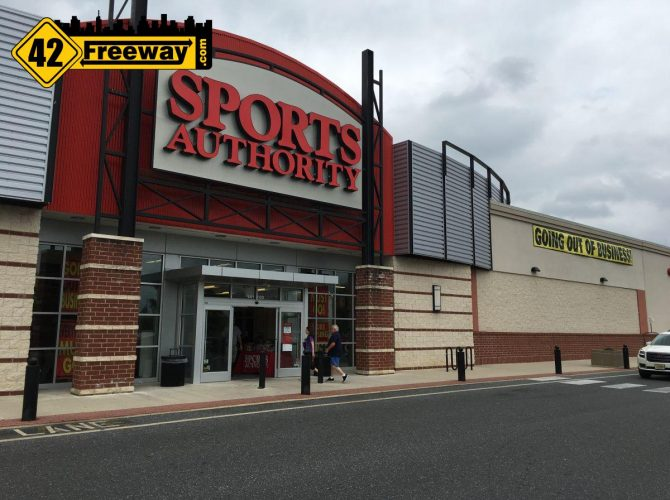 Sports Authority Closing Sale – Washington Township