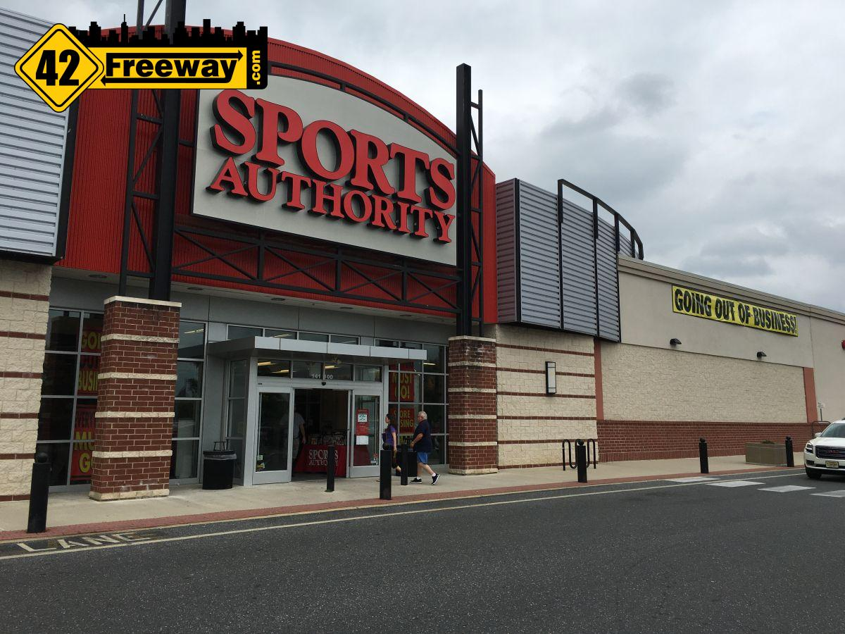 Sports Authority Closing Sale – Washington Township
