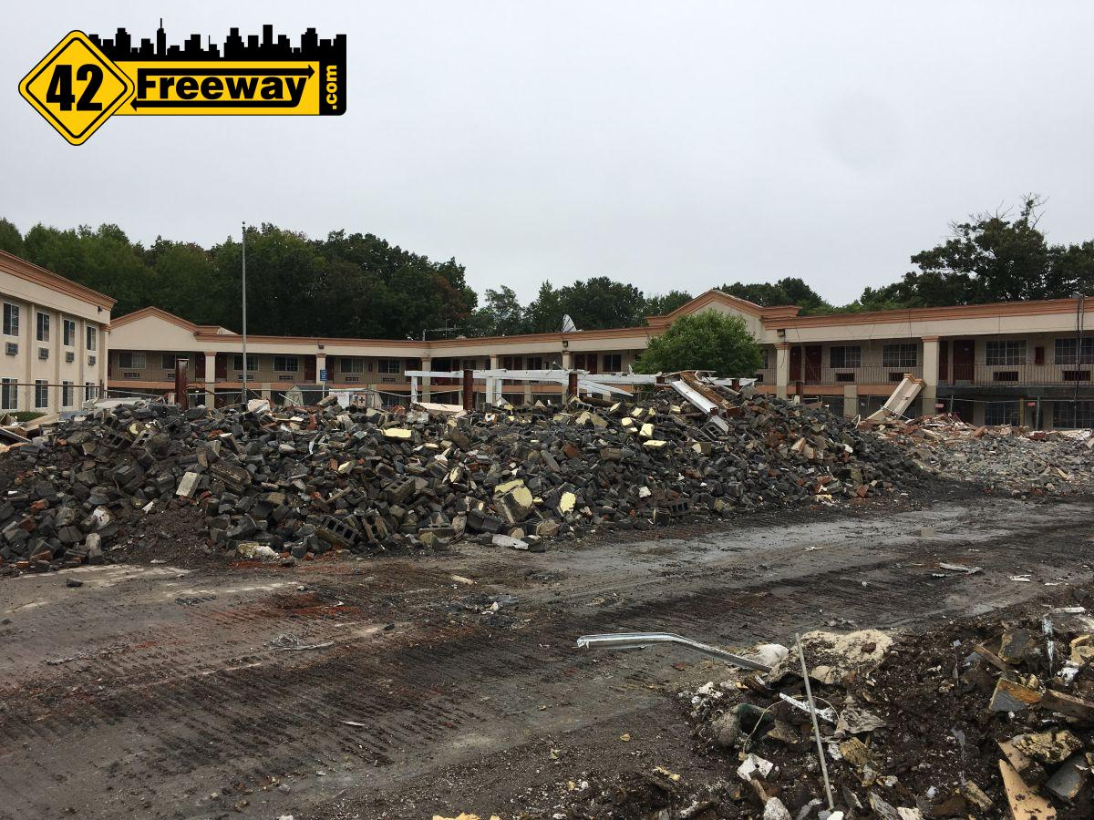 "Quality ""Gloucester"" Inn demolition started ahead of Royal Farms construction"