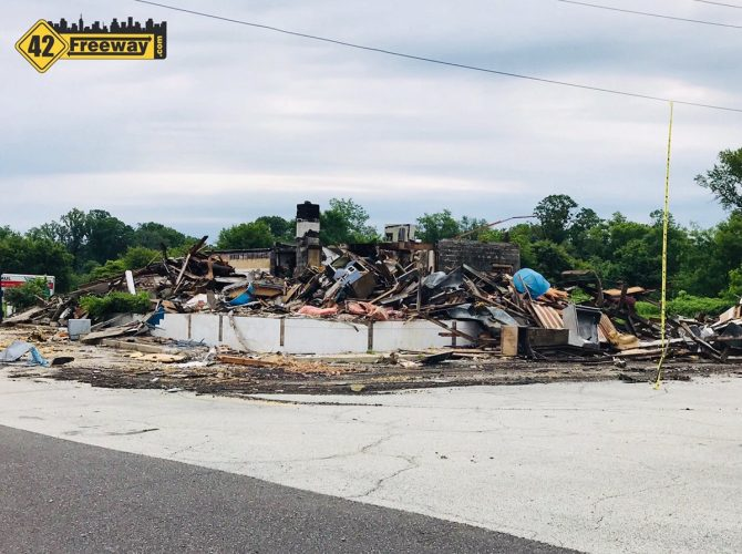 Deptford's Freeway Diner Finally Comes Down – Fast