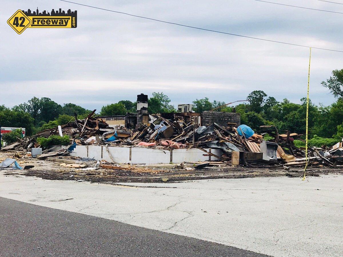 Deptford's Freeway Diner Finally Comes Down – Fast