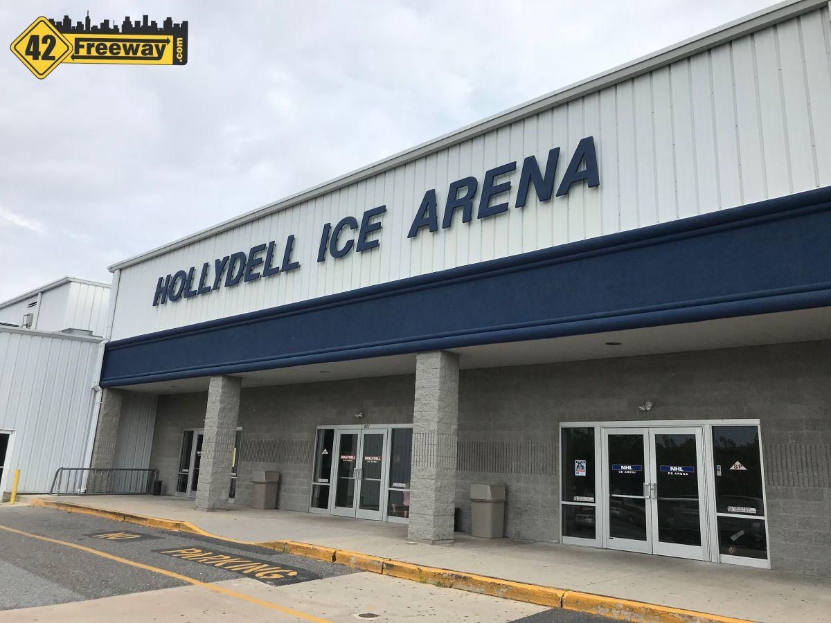 New Bar/Restaurant Coming to Hollydell Ice Arena in Washington Township