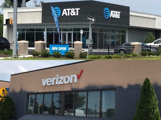 Verizon Moving Into Deptford Old AT&T Location!  AT&T Is Open Across The Street
