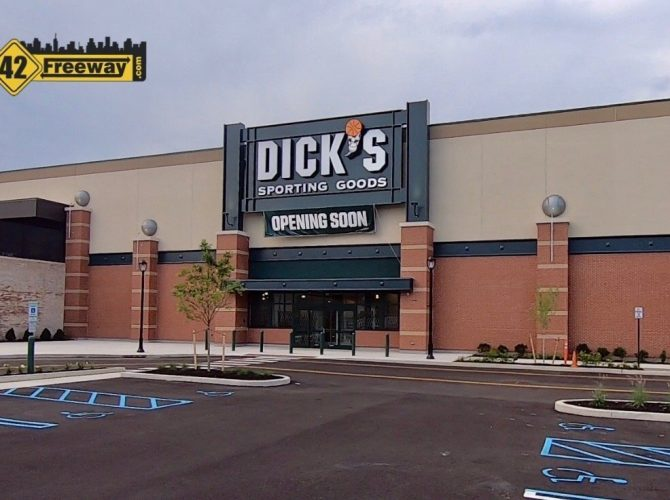 Dick's Sporting Goods Deptford Mall: Preview Opening Starts 8/12.  Grand Opening Event 8/15-16.  $10 Coupon Link In Article