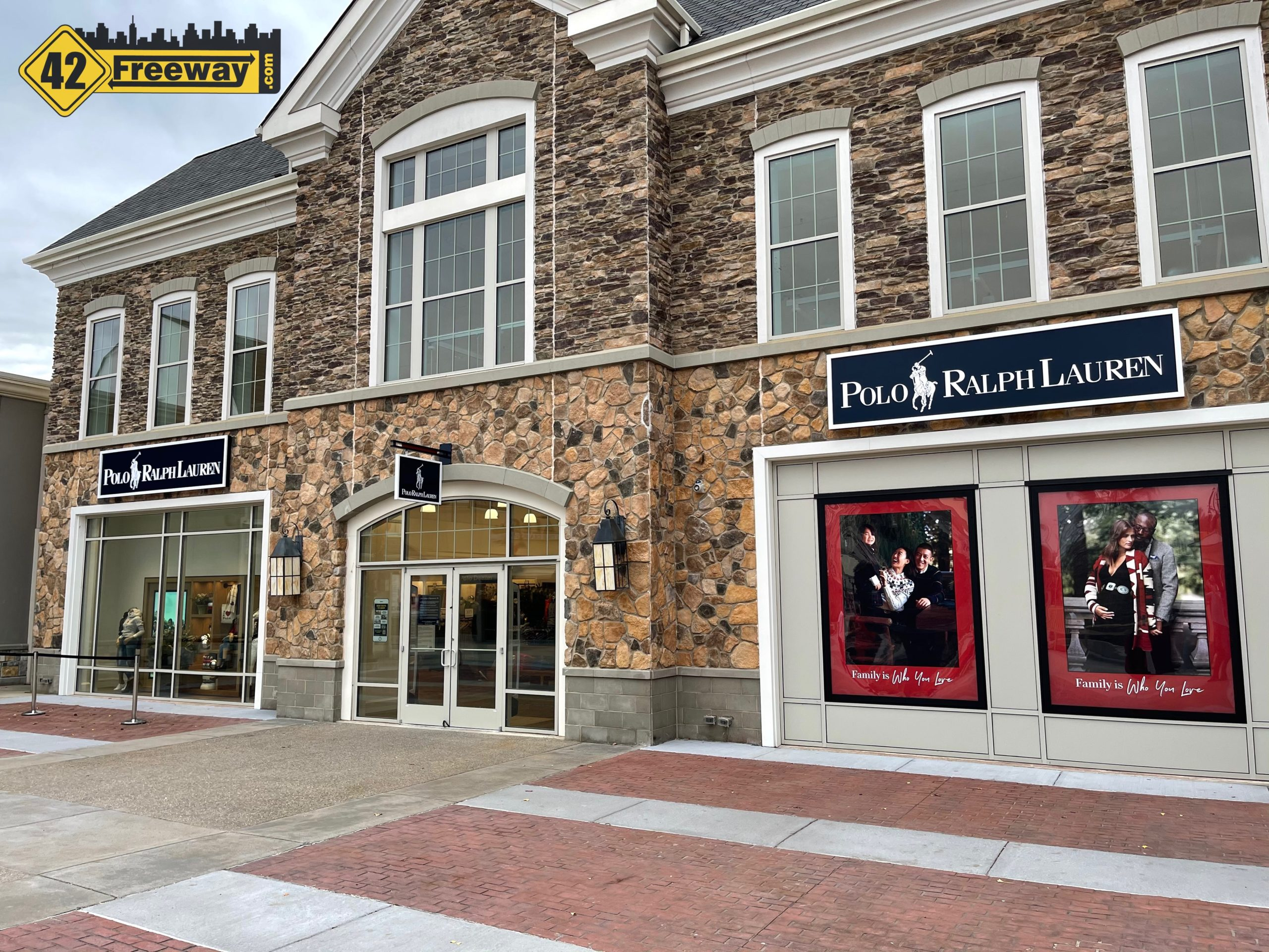 """Larger Polo Ralph Lauren Factory Store is Open at Gloucester Premium Outlets.  Attractive Store Has a Higher End """"Feel"""""""