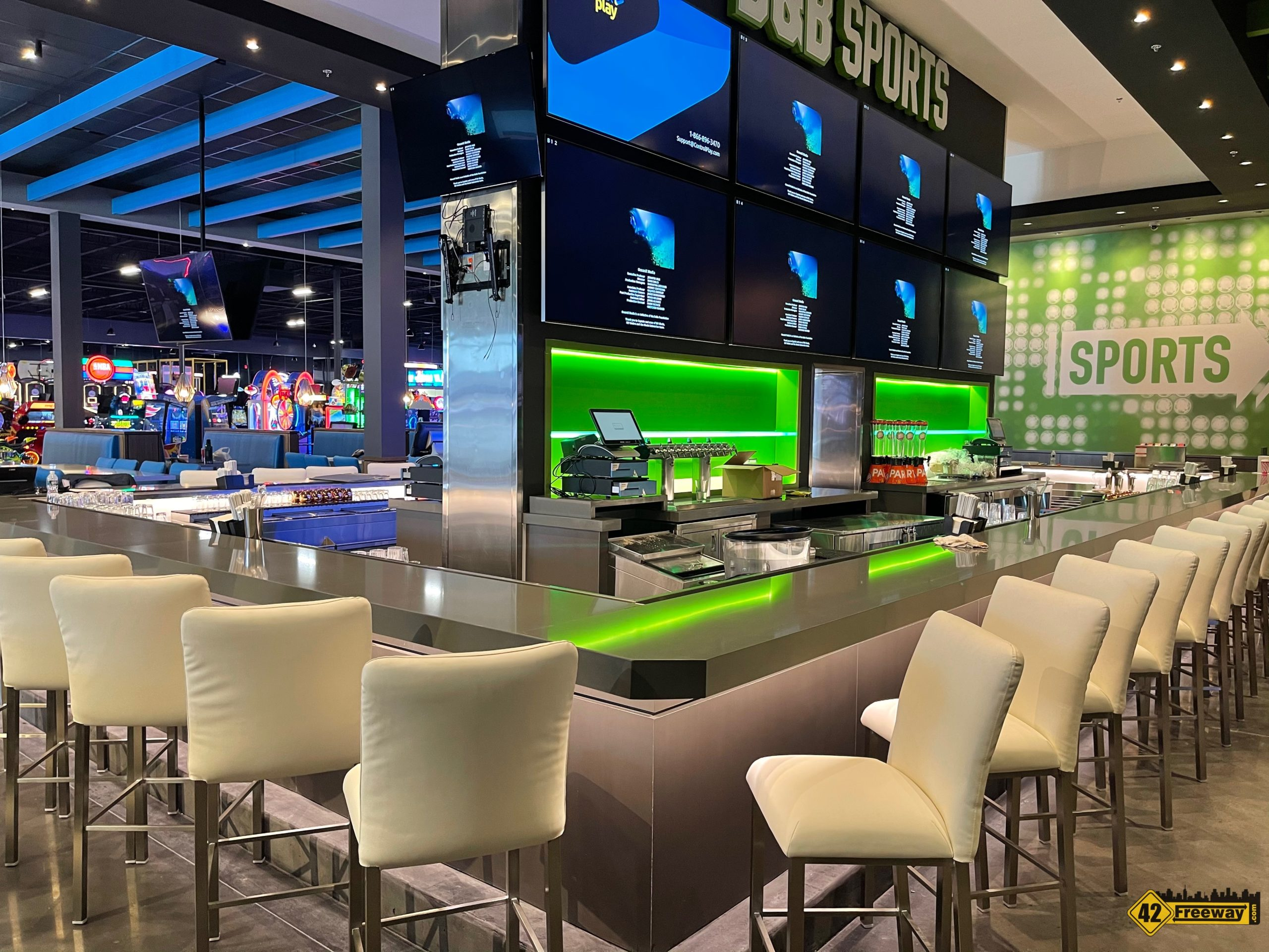 Dave & Busters Preview Photo Tour!   We Take You Inside!  Opens December 7th