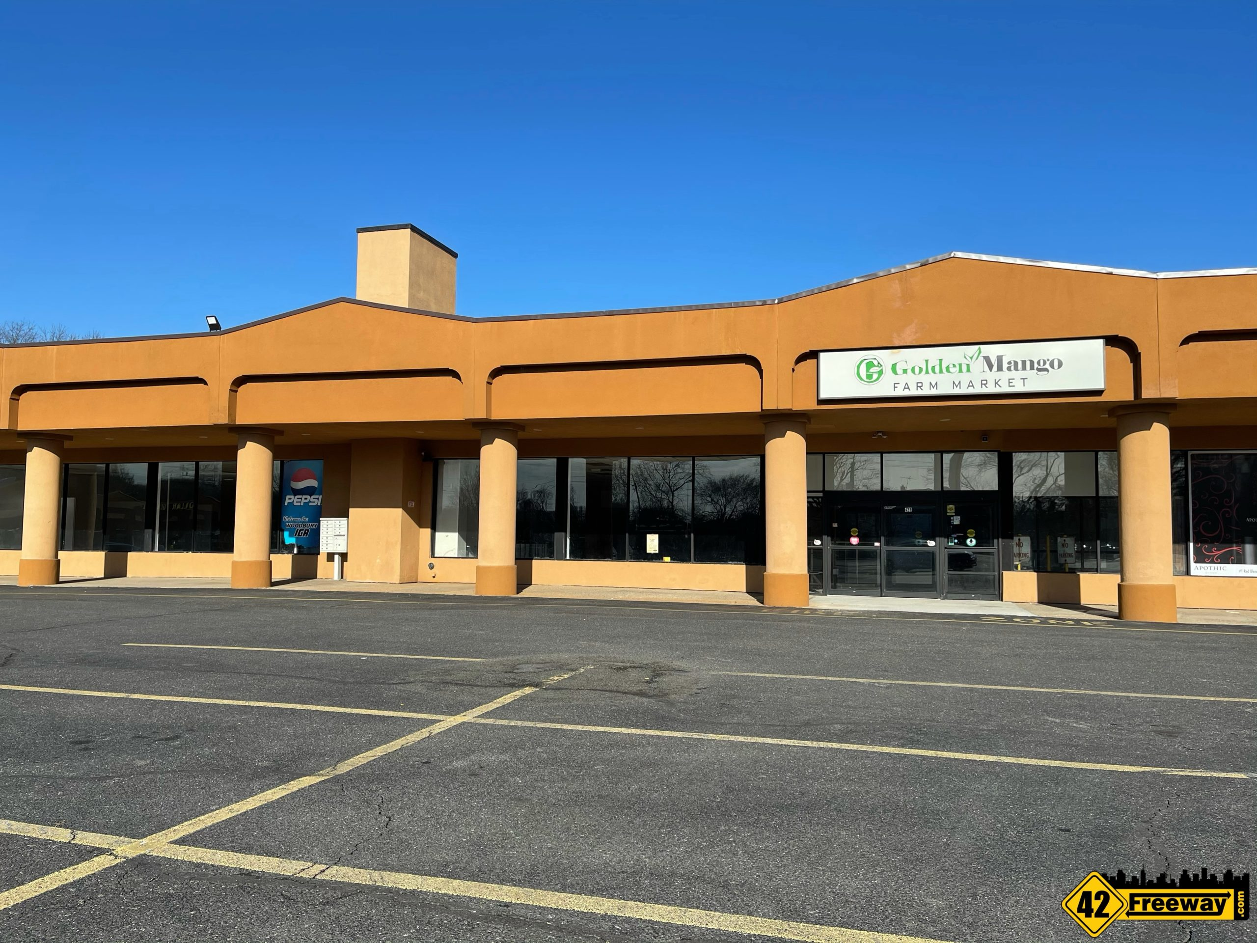 Antiques on Evergreen Moving into Martin's/Sickel Plaza on Evergreen Ave Woodbury!  Targeting May 1st!