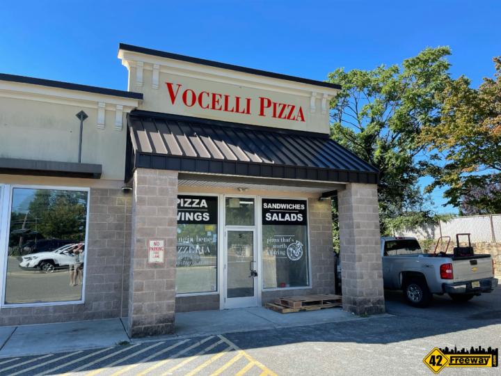 Vocelli Pizza Coming to Bellmawr.  Aldi Shopping Center
